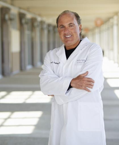 Doctores homeopáticos honrados por el patrocinio real